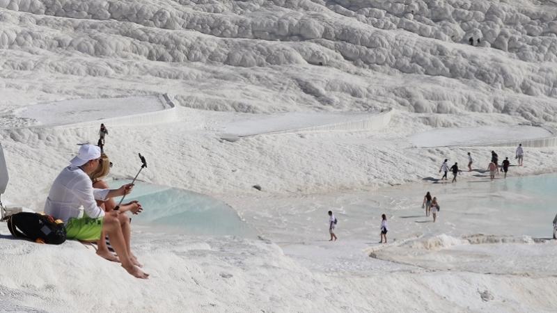 'Beyaz cennet'i 9 ayda 1 milyon 50 bin turist ziyaret etti