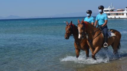 Sarımsaklı Plajları'nın güvenliği atlı jandarma timlerine emanet