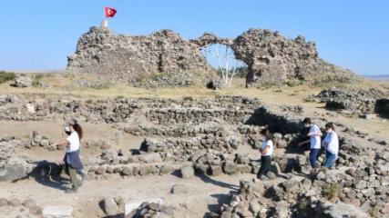Osmanlı'nın ilk hutbesinin okunduğu mescidin izlerini arıyorlar