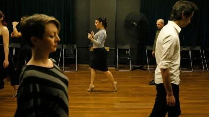 Arjantinlilere tango öğreten Türk