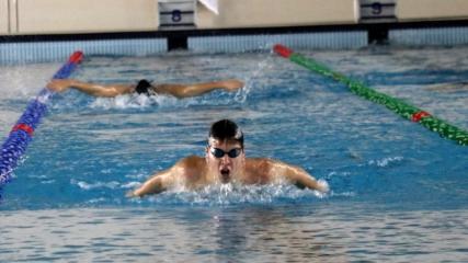 Alman yüzücüler çetin kışa rağmen kamp için Erzurum'u tercih etti
