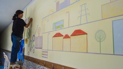 Ressam Nakilcioğlu duvarları sanat eserine dönüştürüyor