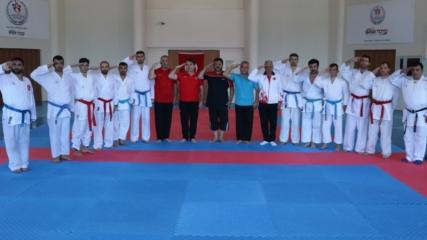 İşitme engelli milli karateciler başarıya odaklandı