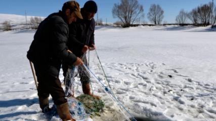 Bahar gelince Eskimo usulü avcılığa veda ettiler