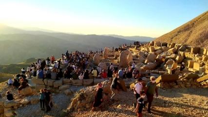 Dünya mirası Nemrut'a yoğun ilgi