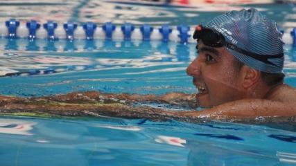 Zihinsel engelli yüzücü 'milli forma' hayali için kulaç atıyor
