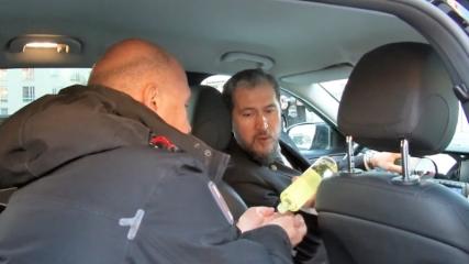 İsveç'te Türk taksicilerden koronavirüse karşı kolonya önlemi
