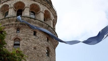 Galata Kulesi'ne mavi kravat takıldı
