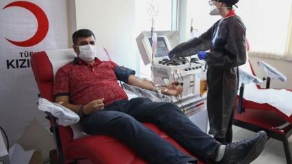 İsveç'ten getirilen Türk hastadan immün plazma bağışı