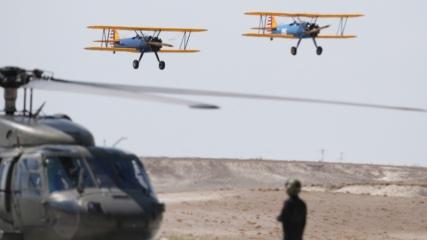 Yerli ve yabancı akrobasi pilotları Eskişehir'de gösteri uçuşu yaptı