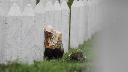 Srebrenitsa kurbanları defnedildi
