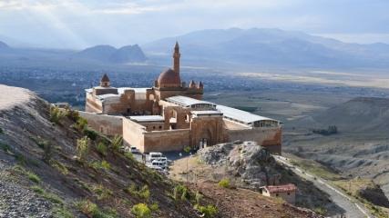 Tarihi İshak Paşa Sarayı'na bayramda ilgi büyük