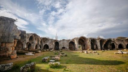 Antalya'nın hanları tarihin izlerini günümüze taşıyor