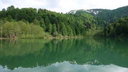 Doğa harikası Borçka Karagöl ziyaretçileriyle buluştu